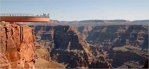 グランドキャニオンの展望台の写真